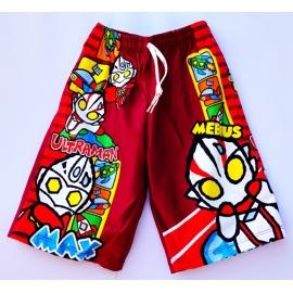 2112063กางเกงขาสั้นเด็ก Size M 3-5 ขวบ ผ้าคอตตอน ลายลิขสิทธิ์  อุลตร้าแมน MEBIUS พื้นสีแดงเลือดหมู