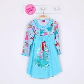 G4E1J17 size 8 อายุ 5 ขวบ ผ้ายืด ลายลิขสิทธิ์ Disney Princess ลายเจ้าหญิงแอเรียลยืนกับดอกไม้สีชมพู พื้นสีฟ้า
