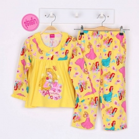 G5A1X32 Size12 อายุ 7-8 ขวบ ผ้ายืด ลายลิขสิทธิ์ Disney Princess ลายเจ้าหญิงนิทราถือกุหลาบสีแดง โทนสีเหลือง